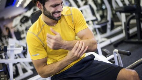 Many people fear hurting themselves while working out. Here are a few tips to keep you safe and healthy!